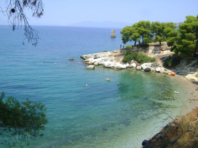 Παραλία Ροδίτσας στον Θεολόγο Φθιώτιδας