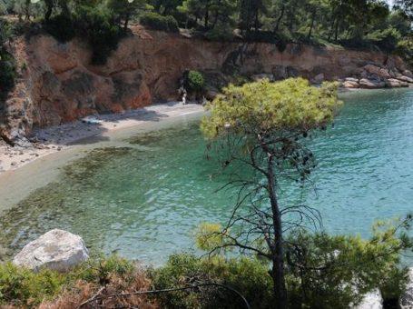 Παραλία Σκαλάκια στον Θεολόγο Φθιώτιδας